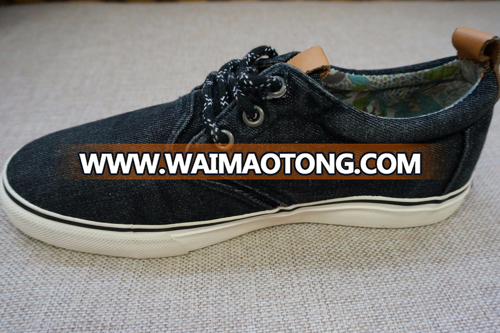 New Design Casual and Comfortable Canvas Shoes Best Sell