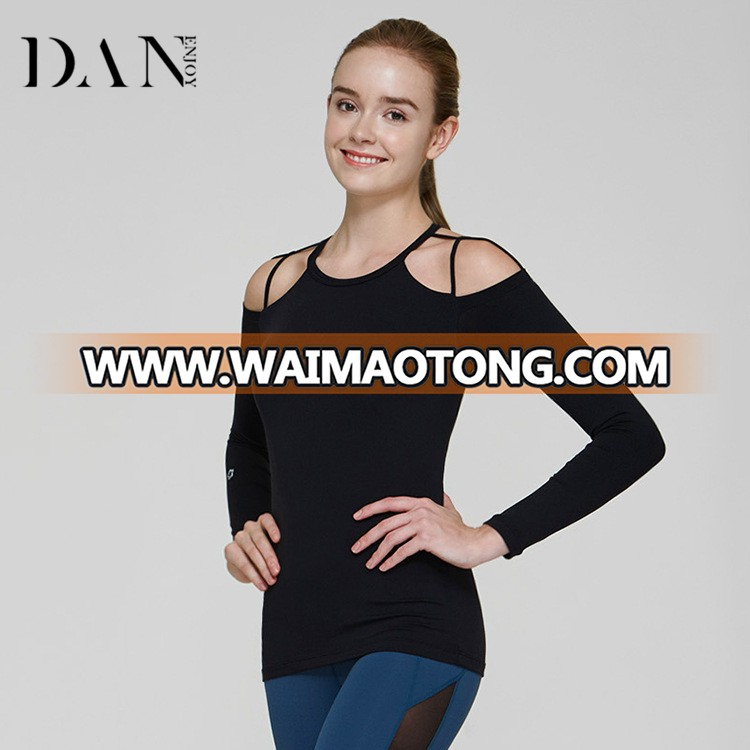 Unique Design Slim Padded Yoga Tops Soild Colored Hollow Out Quick Dry Sports Sexy Long Sleeve Shirts for Women